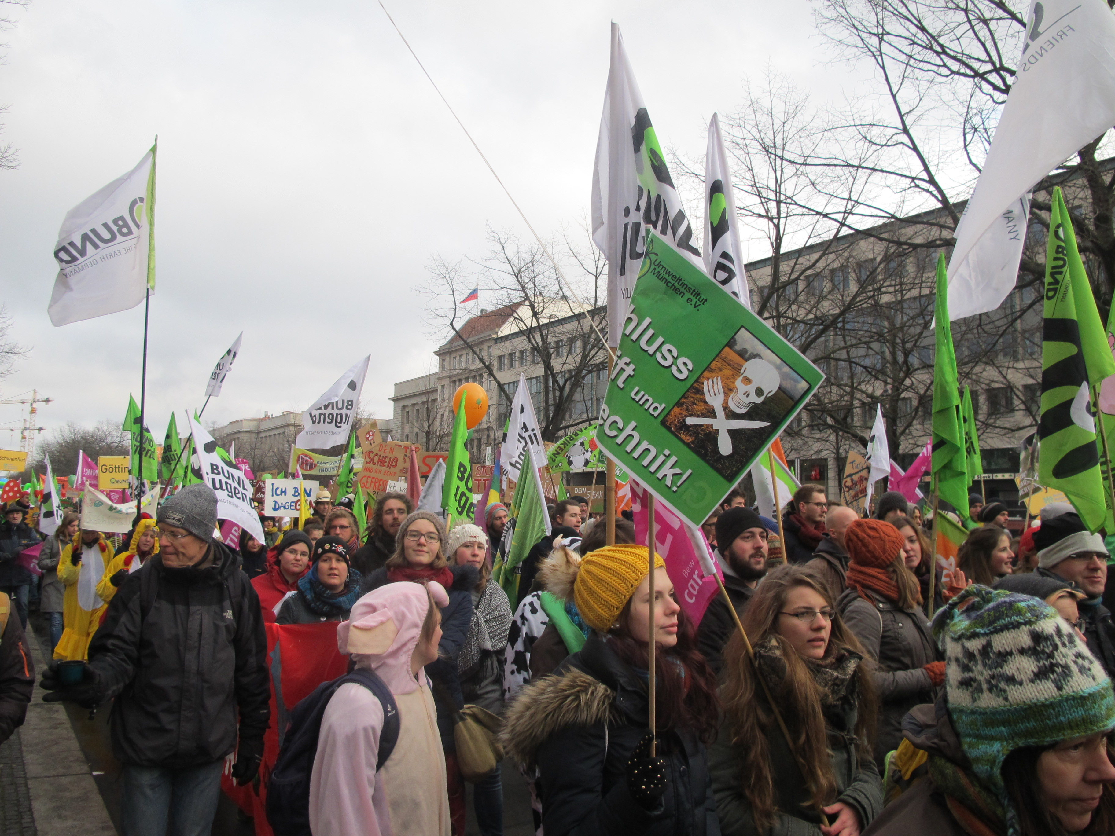"""""""We are fed up!"""" 20,000 march against industrial agriculture"""