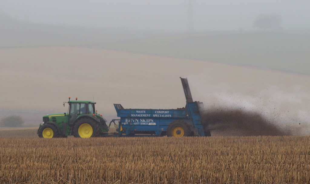 Manure spreading - Flickr CC B4bees